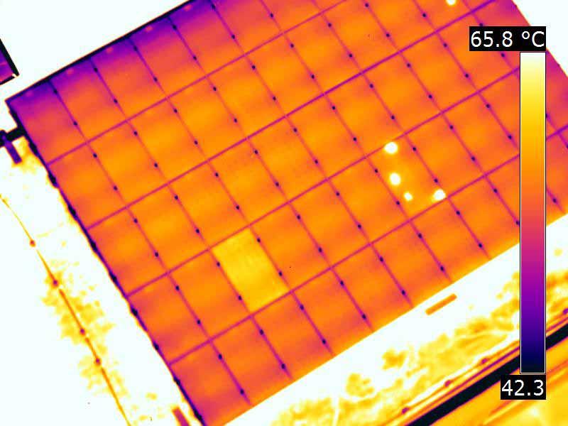 termografia-pannelli-fotovoltaici-drone